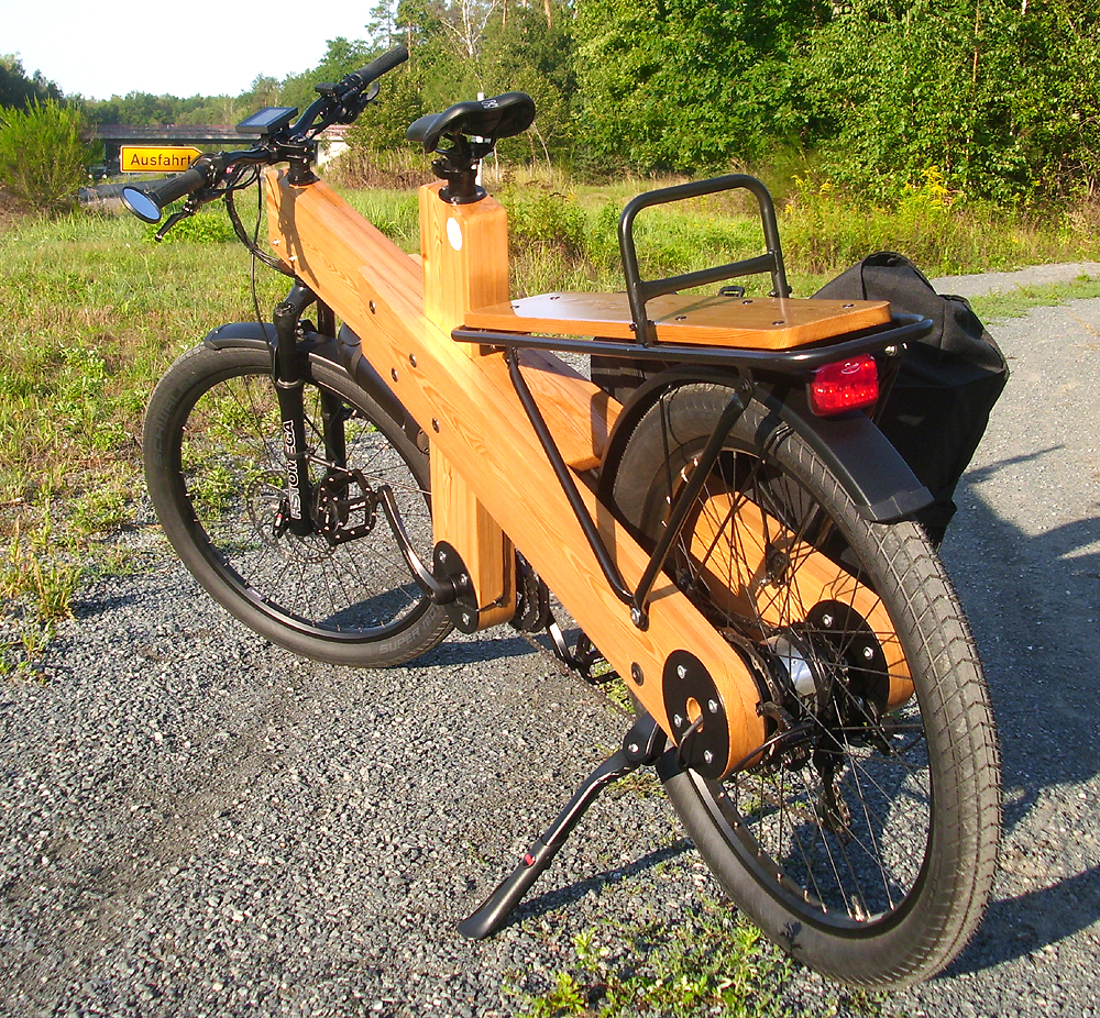 Woodi Elektro Fahrrad mit Holz-Rahmen und Xiongda 2-speed Lastenrad Elektromotor