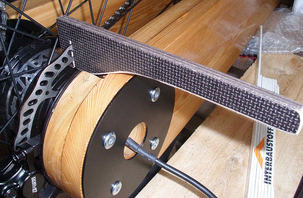Lastenfahrrad E-Bike aus Holz Endmontage hintere Ausfallenden